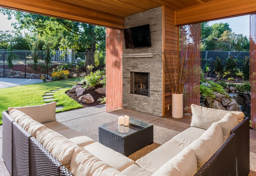 The Best Outdoor Entertainment Options for Your Miami Home